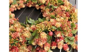 Dekokranz Hopfen Blätter Beeren Herbst