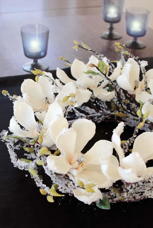 dekokranz magnolie zweige eis wei creme braun winter la cassetta. Black Bedroom Furniture Sets. Home Design Ideas