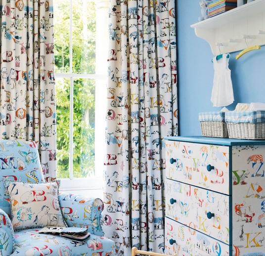 SANDERSON UK Stoff ALPHABET ZOO powder blue Kinderzimmer ABC 3