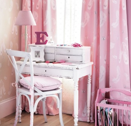 SANDERSON UK Stoff BALLET SHOES pink Kinderzimmer Ballett rosa 3