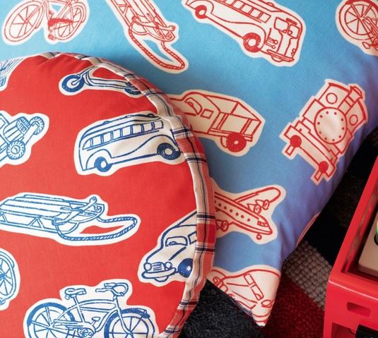 SANDERSON UK Stoff VROOM red indigo Kinderzimmer Fahrzeuge 3