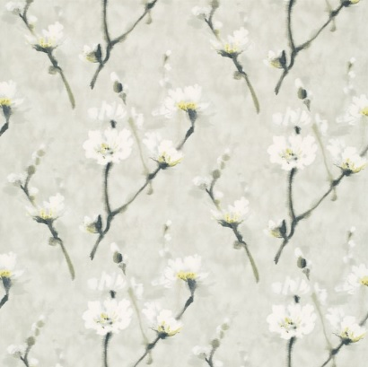 Sanderson UK ELENI pearl grey 1 Stoff Blüten Zweige weiss grau gelb La Cassetta
