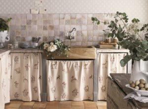 SANDERSON UK Meterstoff CLEMENCE vanilla silver Waldtiere Wildblumen bestickt La Cassetta 5