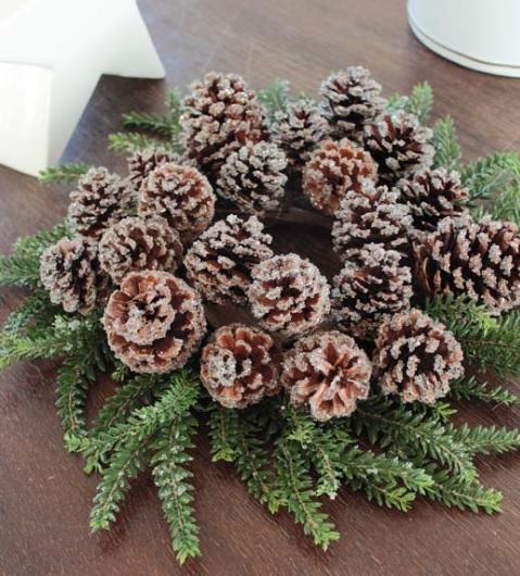Dekokranz Tanne Zapfen Glitter Eis Winter Weihnachten klein La Cassetta 1