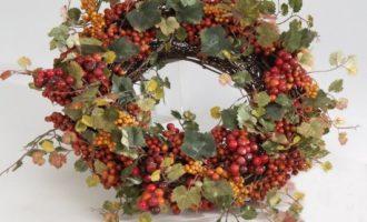 Dekokranz Beeren Weinlaub Herbst klein Türkranz Dekokranz La Cassetta Online Shop
