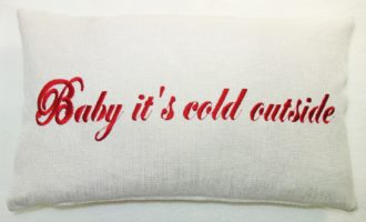 Kissenhülle 40x25cm STICK Baby it's cold outside STEEN DESIGN La Cassetta Wien